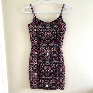 Topshop Flowered Print Stretchy  Dress Size 4